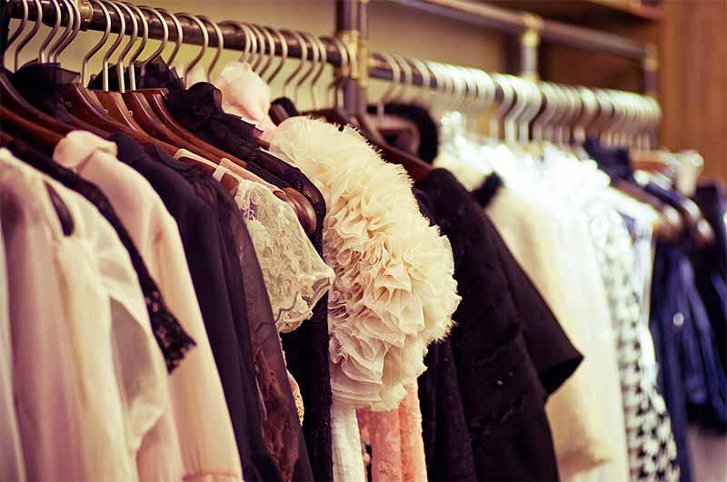 trajes para eventos sociais
